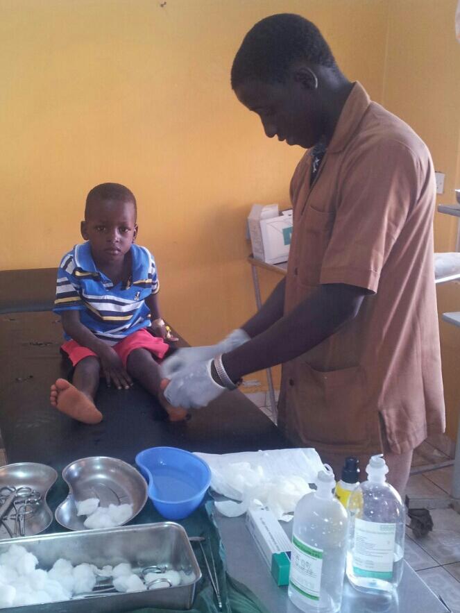 Gesucht: Weitere Paten für Lasana für die Ausbildung zum Krankenpfleger