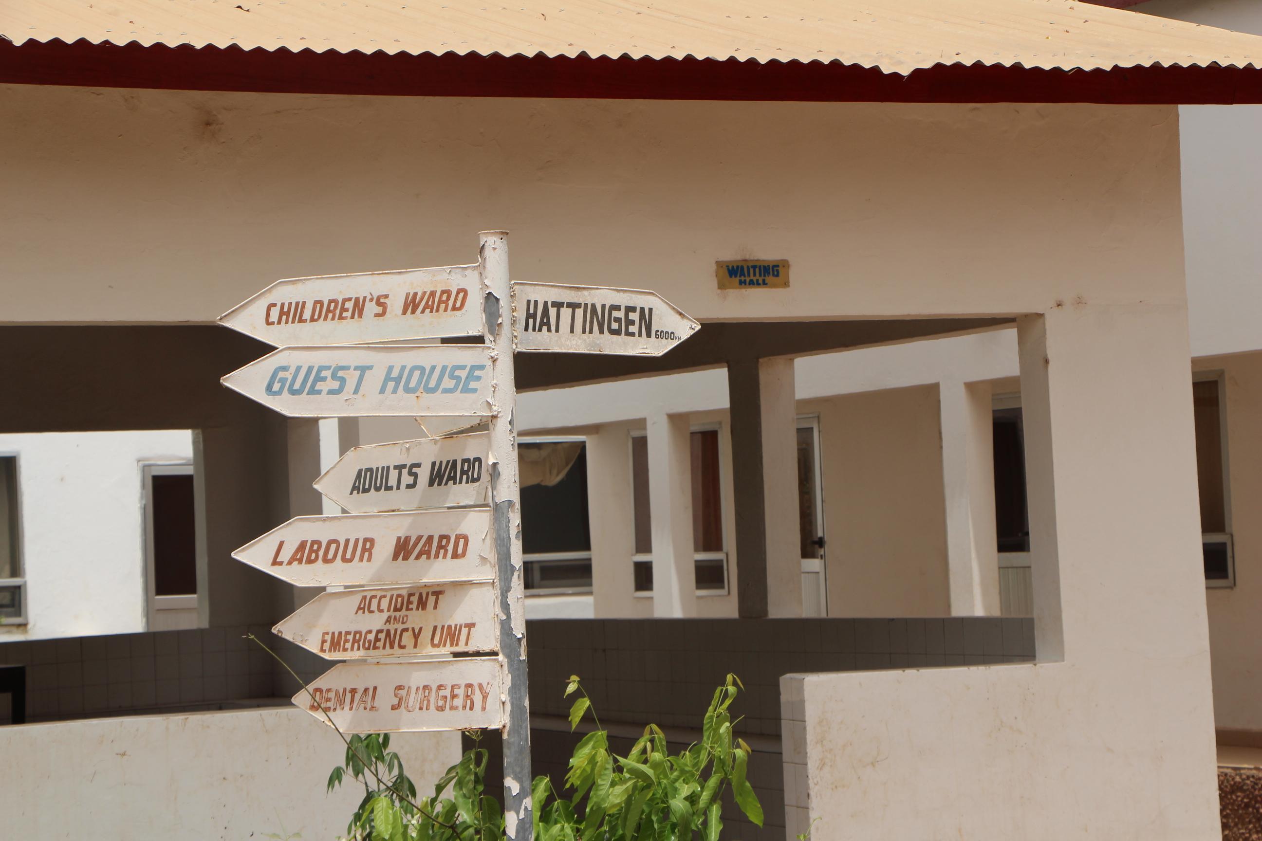 Klinikbetten für Gambia
